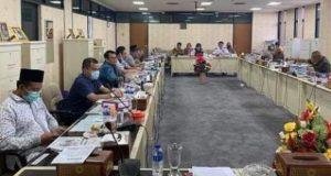 Ketua Komisi IV H Toni Eka Chandra memimpin Hearing dengan Dishub Lampung,